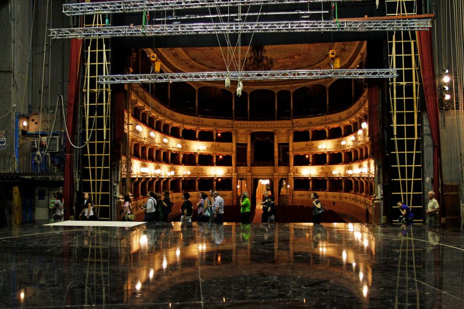 Guided tours of the Teatro della Pergola in Florence