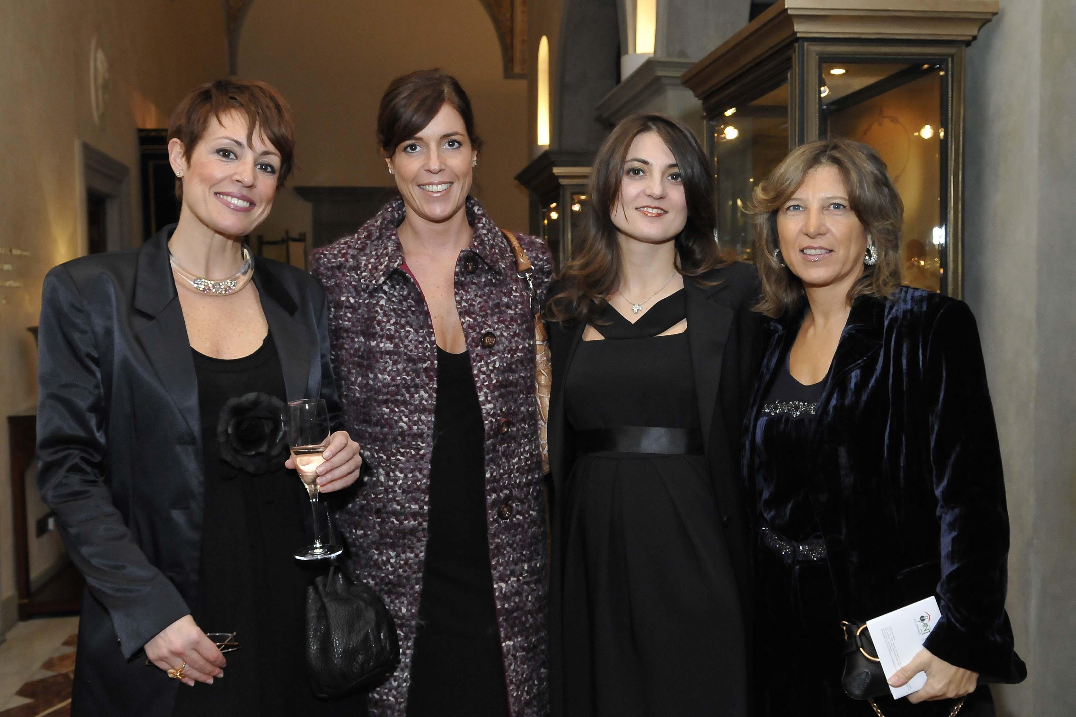 da sx: Cristina Jacomelli,Isabella Jacomelli, Francesca d' Eria, Simona d'Eria