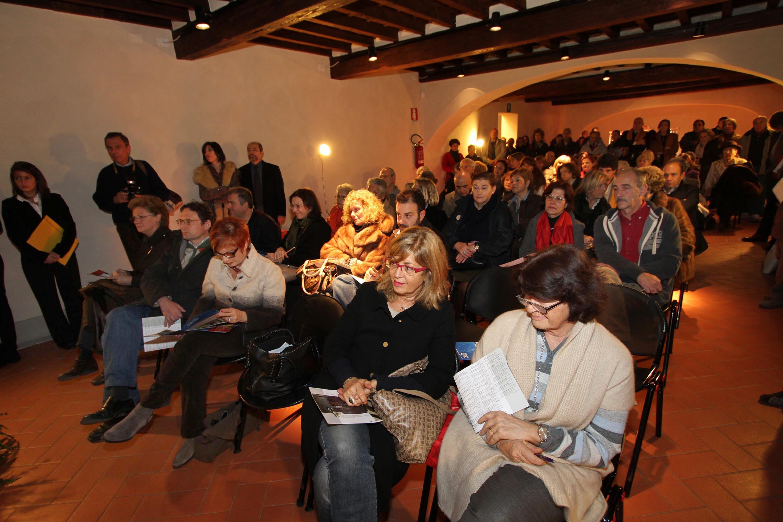 PRESSPHOTO Firenze, Asta di Gioielli d'epoca all' Istituto degli Innocenti. Nella foto