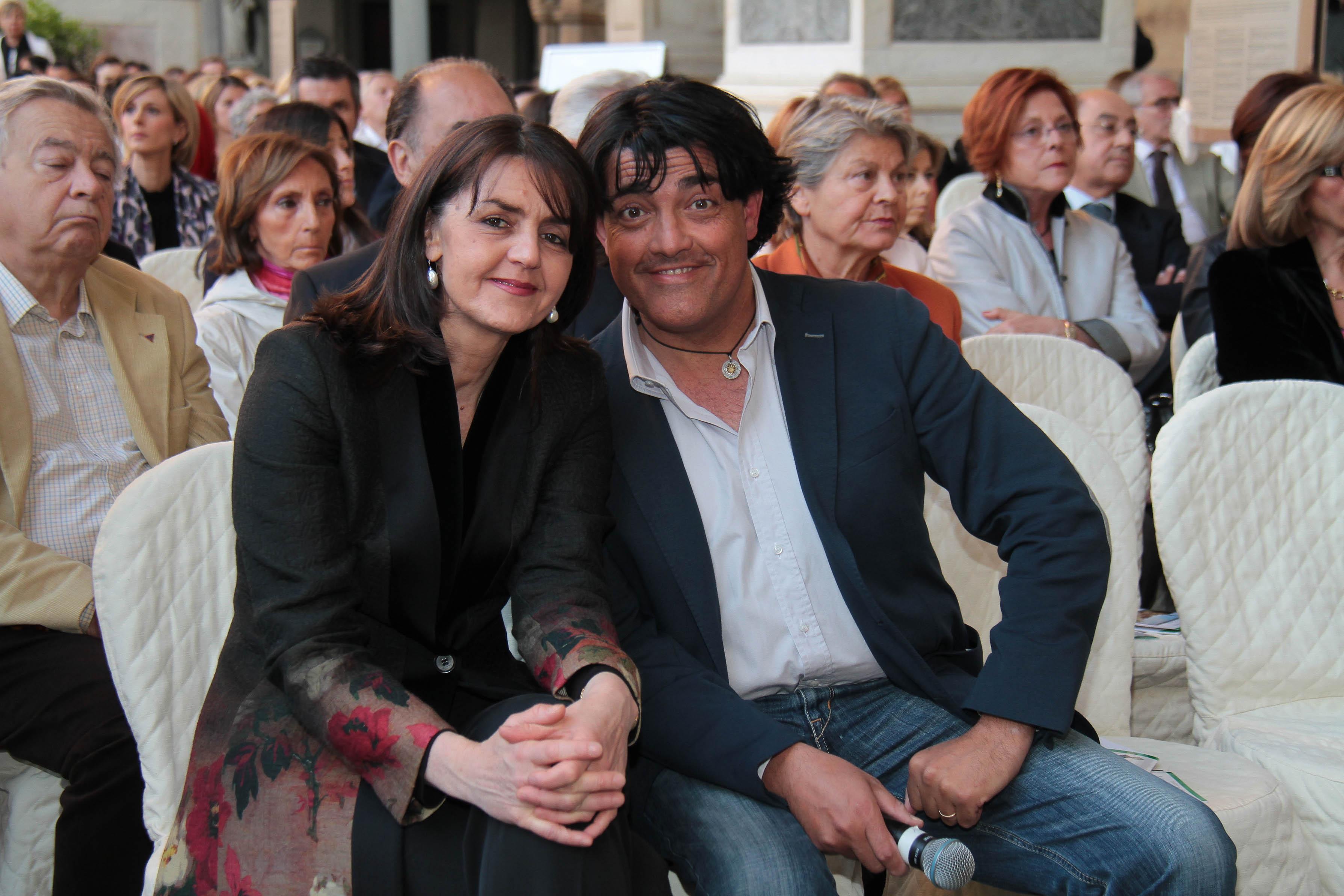 PRESSPHOTO Firenze, Loggia dei Lanzi, asta benefica per ANT organizzata da Farsetti. Nella foto Gaetano Gennai e Sonia Farsetti Giuseppe Cabras/New Press Photo