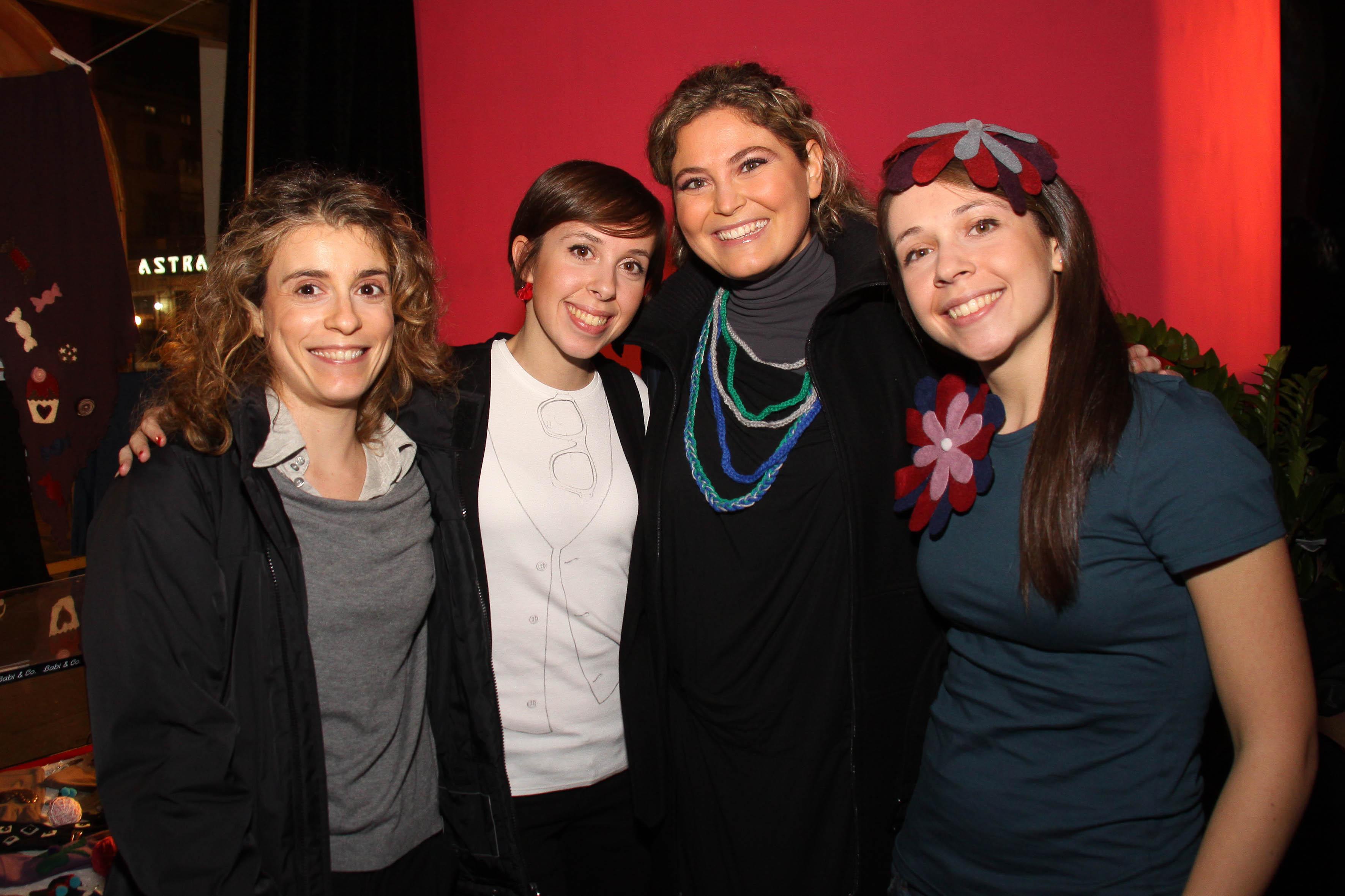 PRESSPHOTO  Firenze, Kitsch Lounge Bar, presentazione della collezione di Babi & Co. Nella foto Barbara e Silvia Leone con Gaia Maggiordomo e Sara Simone