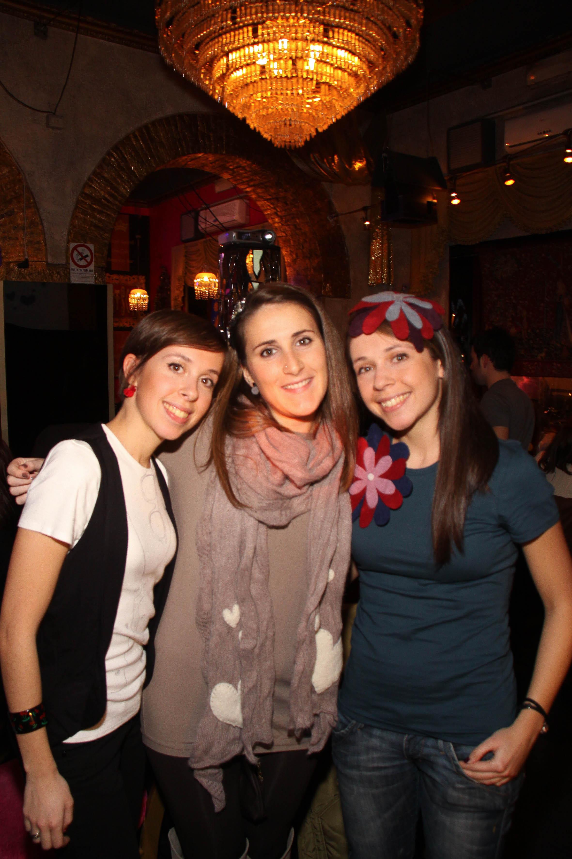 PRESSPHOTO  Firenze, Kitsch Lounge Bar, presentazione della collezione di Babi & Co. Nella foto Barbara e Silvia Leone con Silvia Gallori