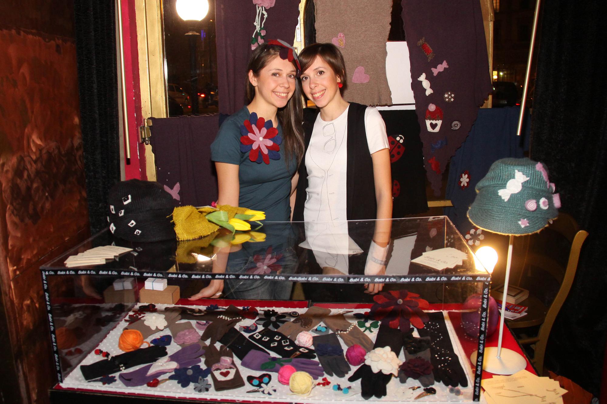 PRESSPHOTO  Firenze, Kitsch Lounge Bar, presentazione della collezione di Babi & Co. Nella foto Barbara e Silvia Leone