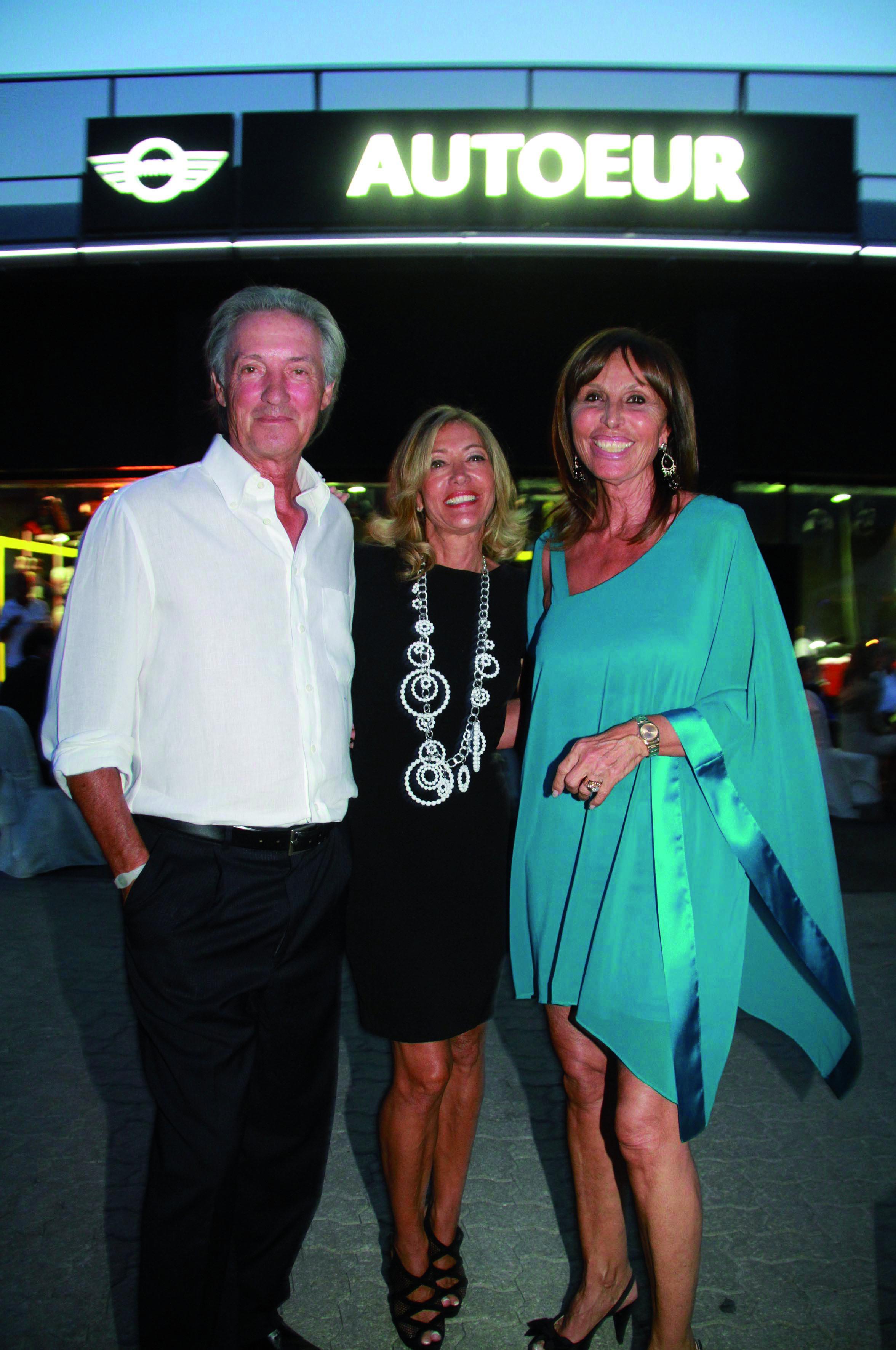 Pressphoto, Firenze inaugurazione concessionaria BMW all'osmannoro nella foto:  Sandra e Paolo bruschi, Laura Borola ?????????? BMW firenzemagazine