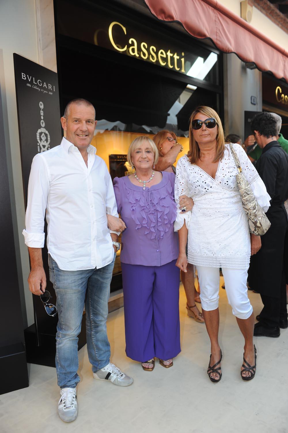 Forte dei Marmi  19 luglio 20009  festa e sfilata Bulgari da Cassetti  Mgrazia Cassetti con Flavio e Rita Castellani
