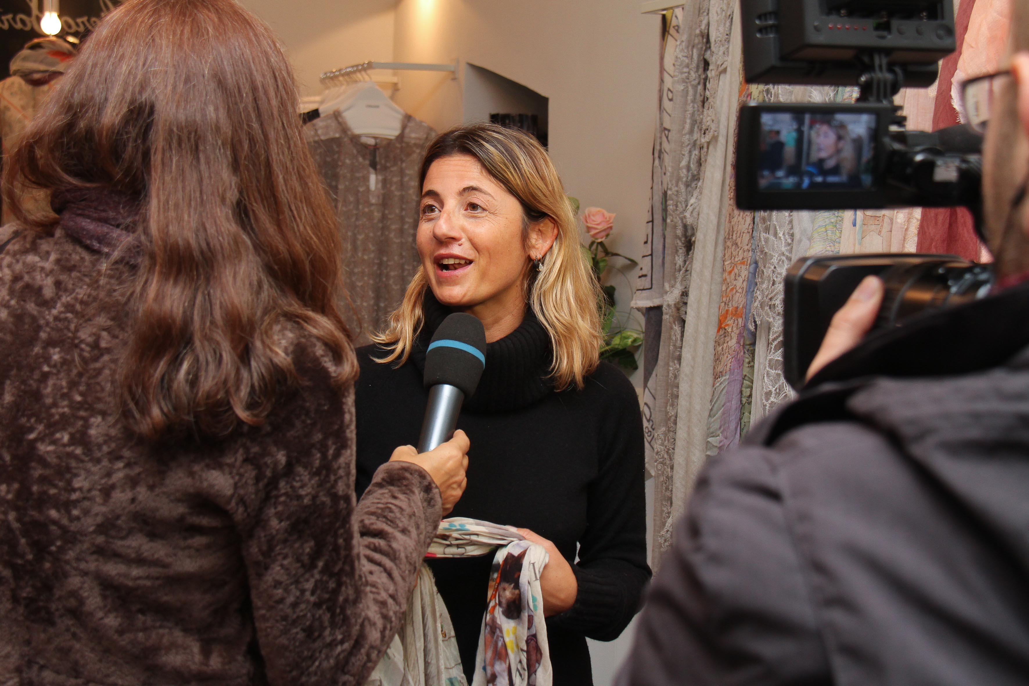 PRESSPHOTO Firenze, Faliero Sarti. Nella foto intervista a Monica Sarti  Giuseppe cabras/new pressphoto