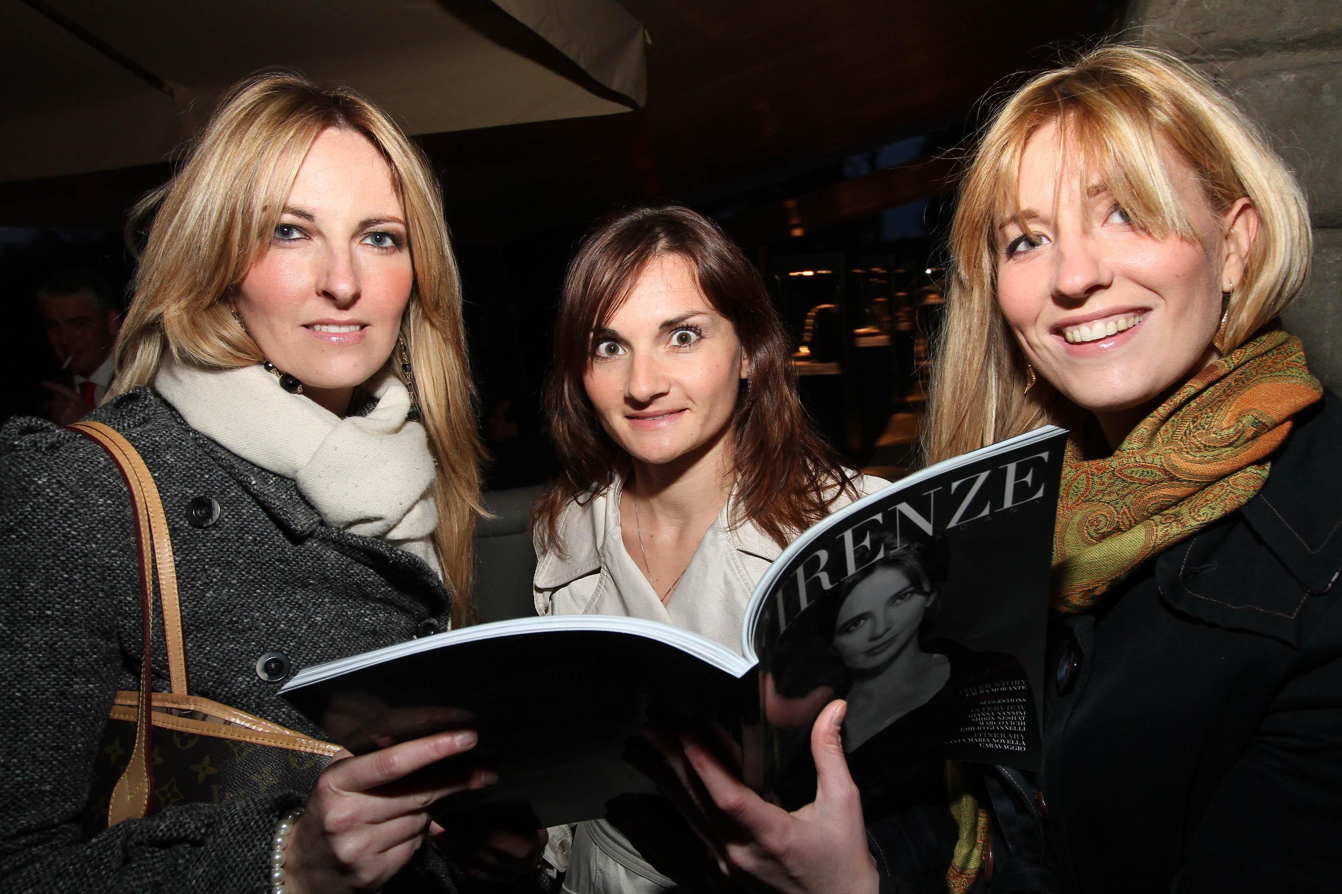 PRESSPHOTO Firenze, festa Firenze Magazine. Nella foto Elena e Ilaria Calamandrei con Karin Matscher