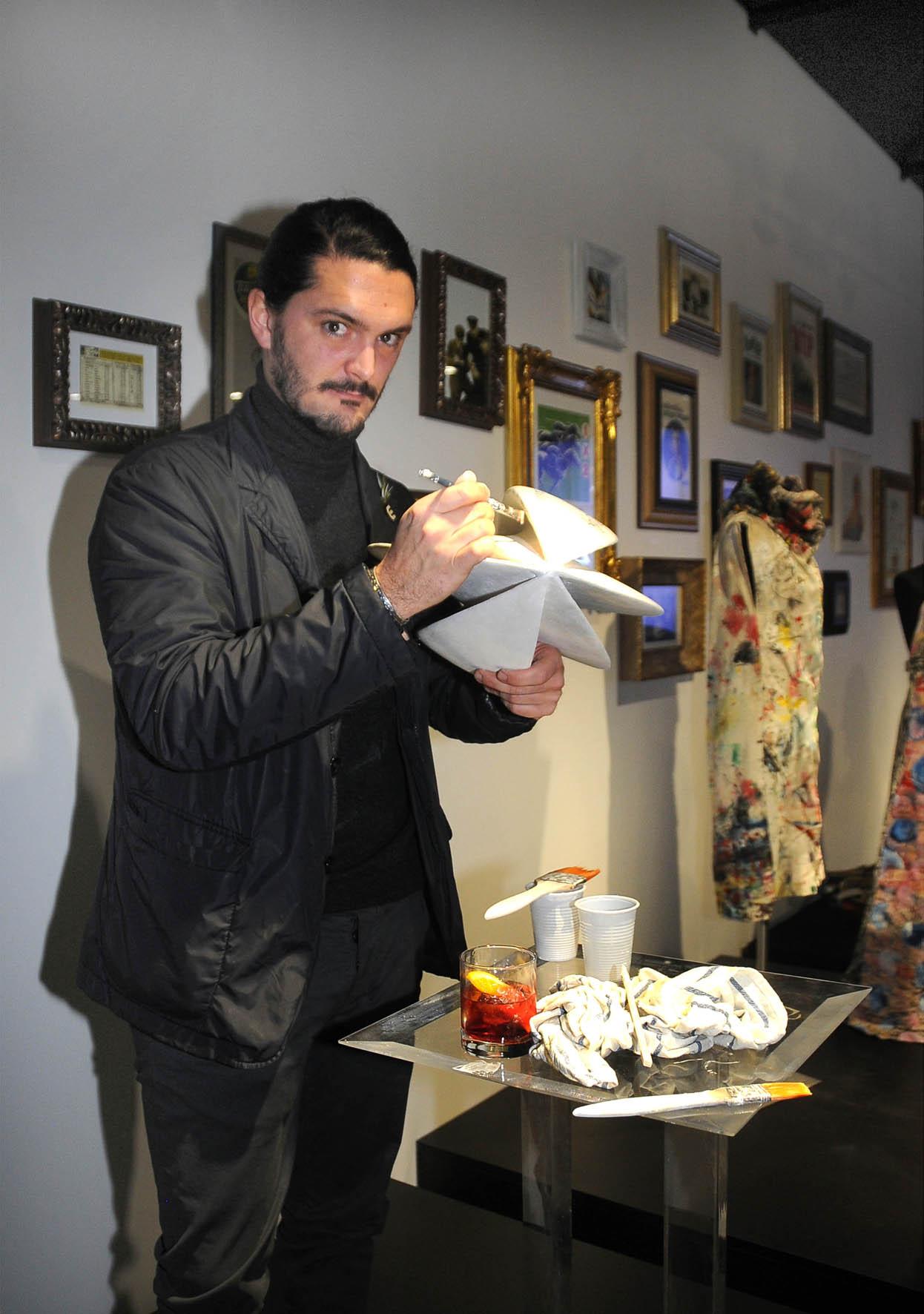 PRESSPHOTO  INAUGURAZIONE DI  SISAL  WINCITY-NELLA FOTO,L'ARTISTA NICCOLO' POGGI.-  Foto Umberto Visintini/New Press Photo