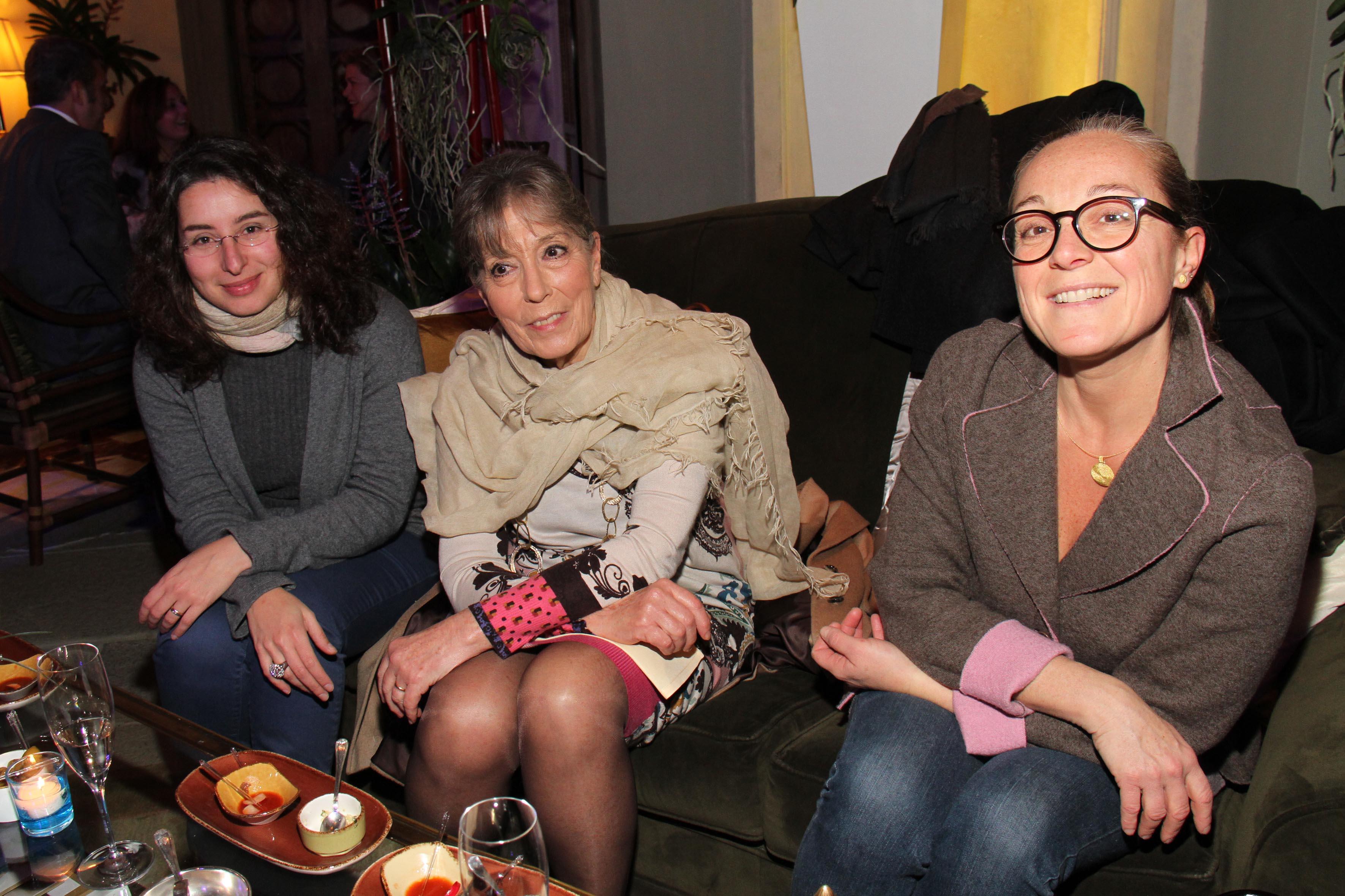 PRESSPHOTO Firenze,  Four Seasons, evento Metropolitan. Nella foto Nicoletta Conti, Franca Morini e Elisa Biagi  foto Giuseppe Cabras/New Press Photo