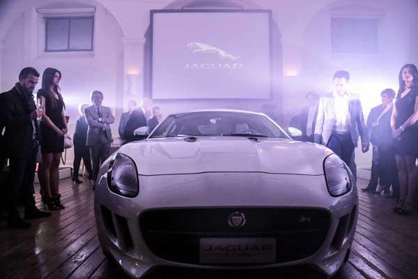 Presentazione Jaguar S-Type