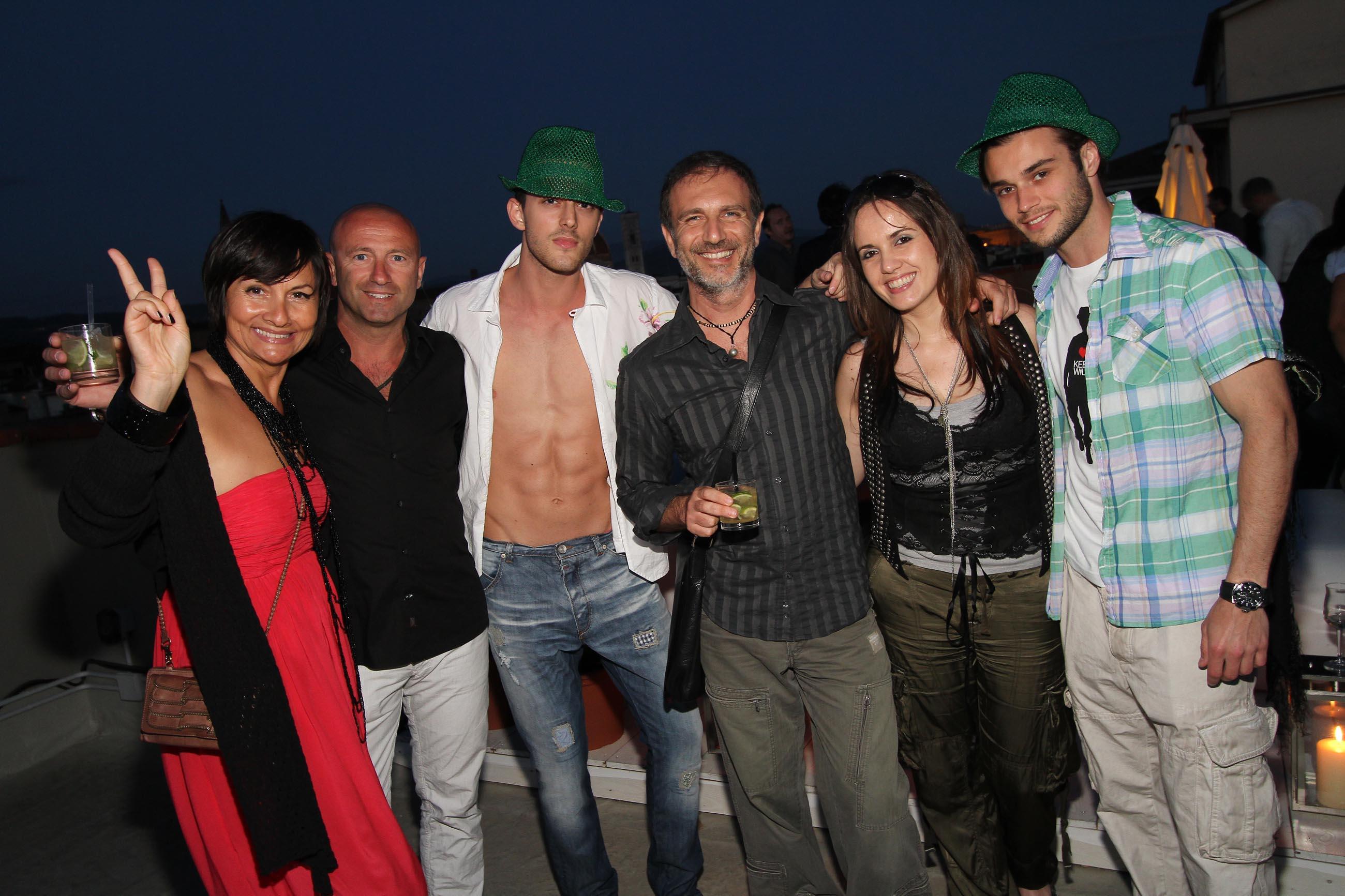 PRESSPHOTO Firenze, Garage Europa, evento Keep Wild. Nella foto Nadia Testi, Barbara Corsi, Massimo Cerchiari, Filippo Nativo, con due modelli (cappello verde)