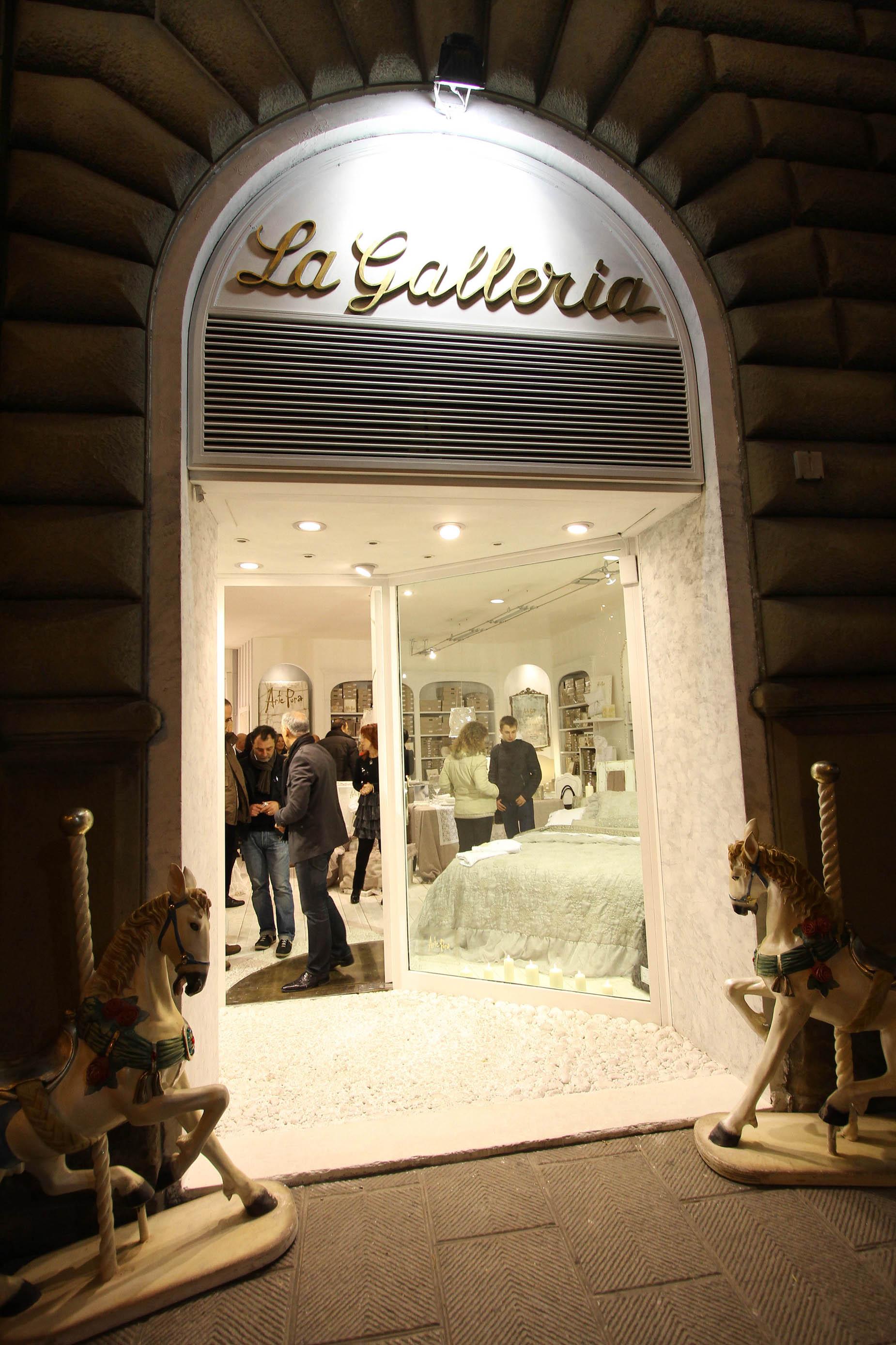 PRESSPHOTO Firenze, La Galleria.