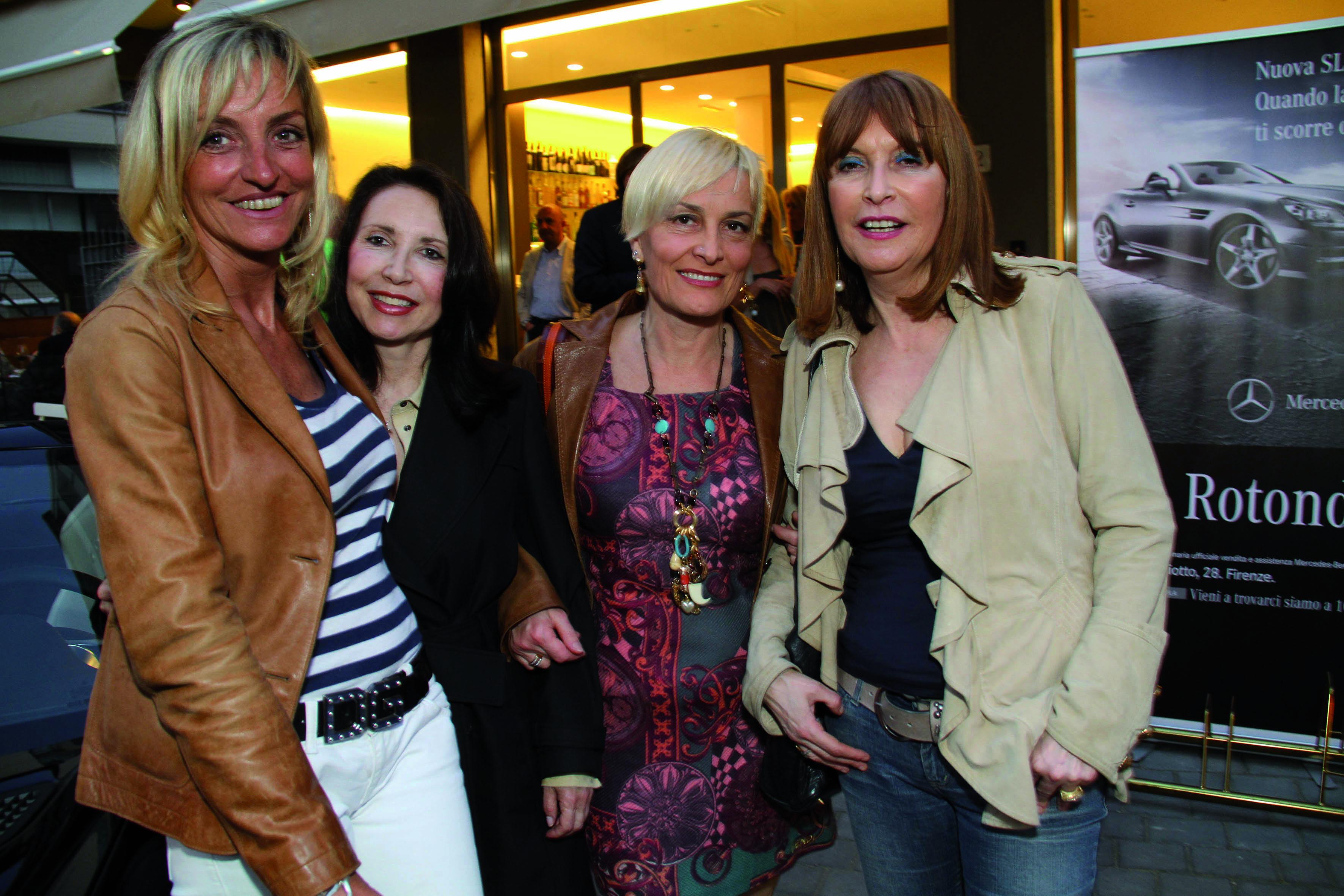 pressphoto,Firenze- Serata Mercedes allo Stad ,Firenze Magazine-nella foto :Barbara Vergelli, Simonetta d'Ettorre, Monica Berti, Stefania Boni