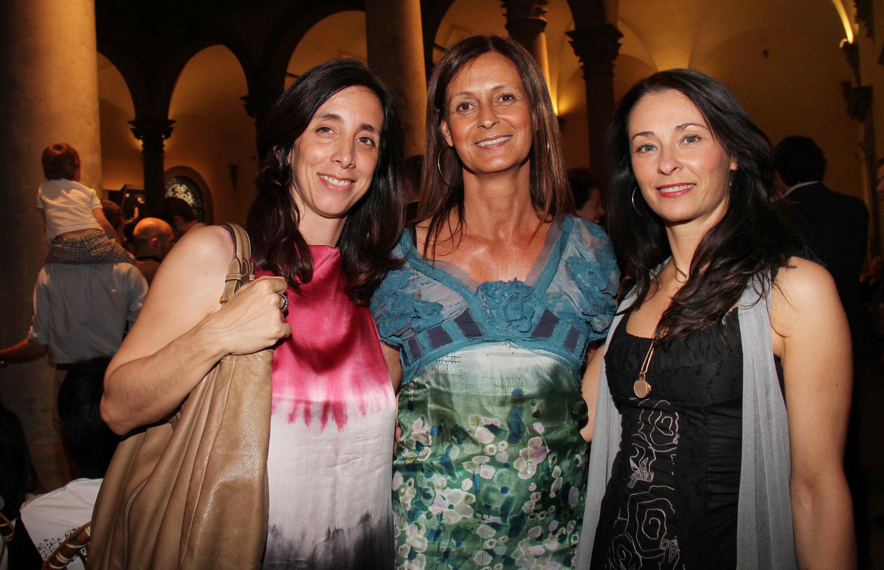 PRESSPHOTO Firenze, Palazzo Strozzi, Milano 25, Col cuore si può. Nella foto Paola Antoniol, Letizia Manoelli e Gisella Mossa