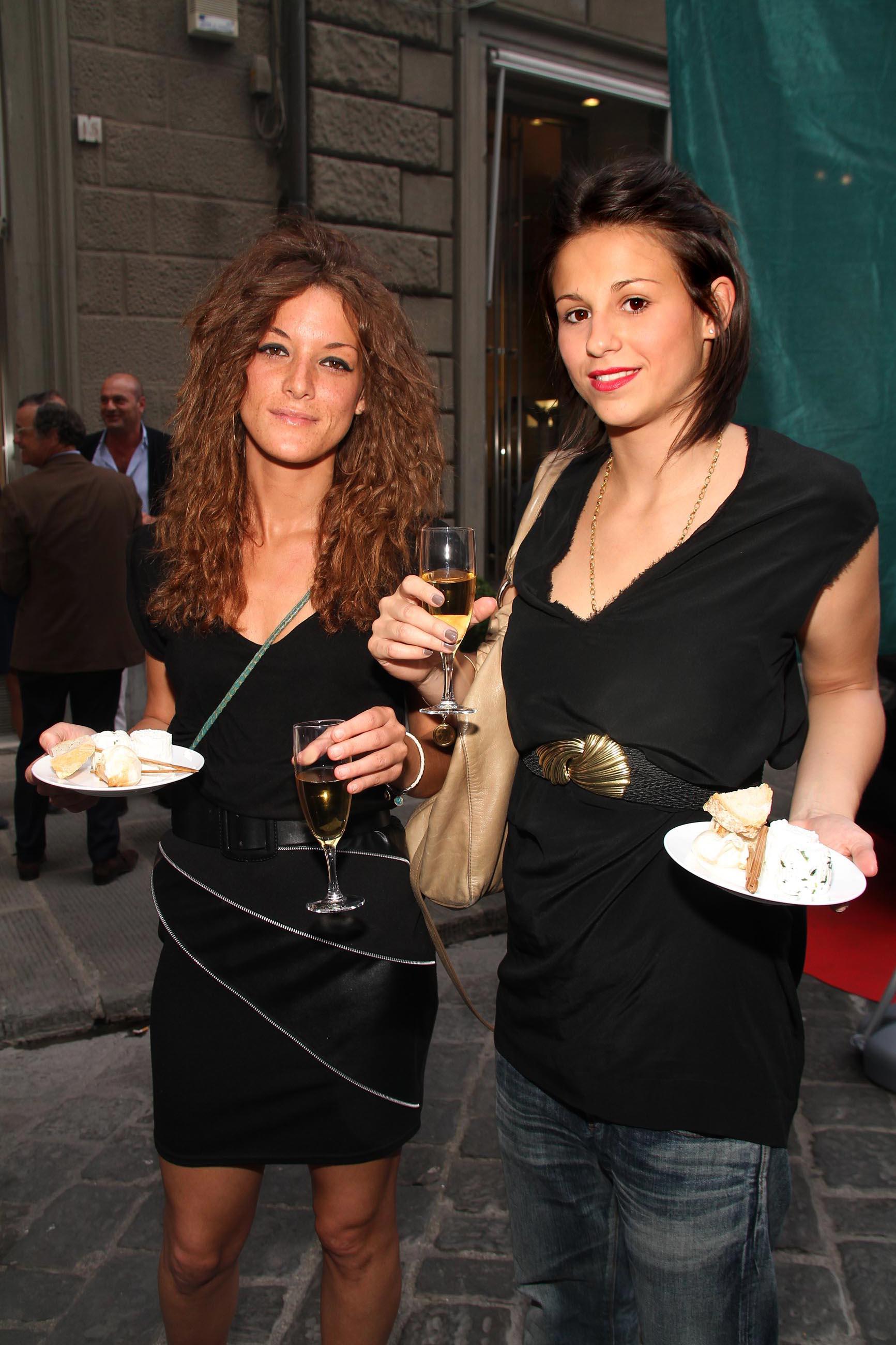 PRESSPHOTO Firenze, Evento Milord Aston Martin. Nella foto Shary Taddei e Benedetta Berdondini