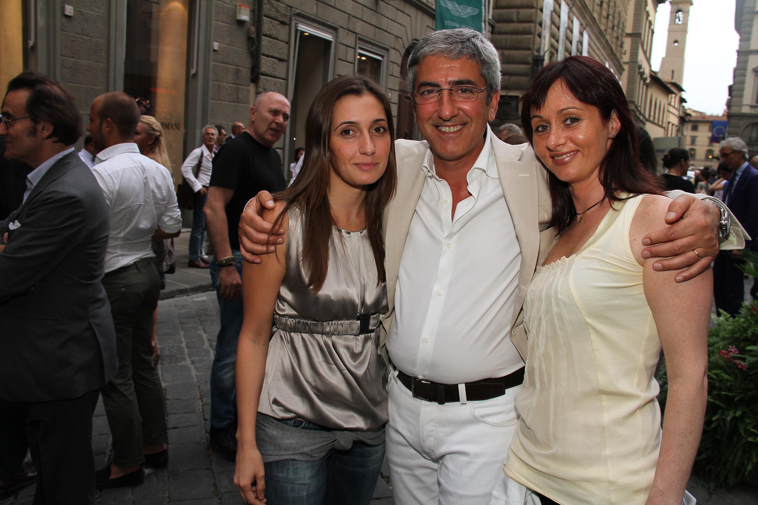 PRESSPHOTO Firenze, Evento Milord Aston Martin. Nella foto Francesca Castagna, Gianni Di Giorgio e Katiuscia Montesi