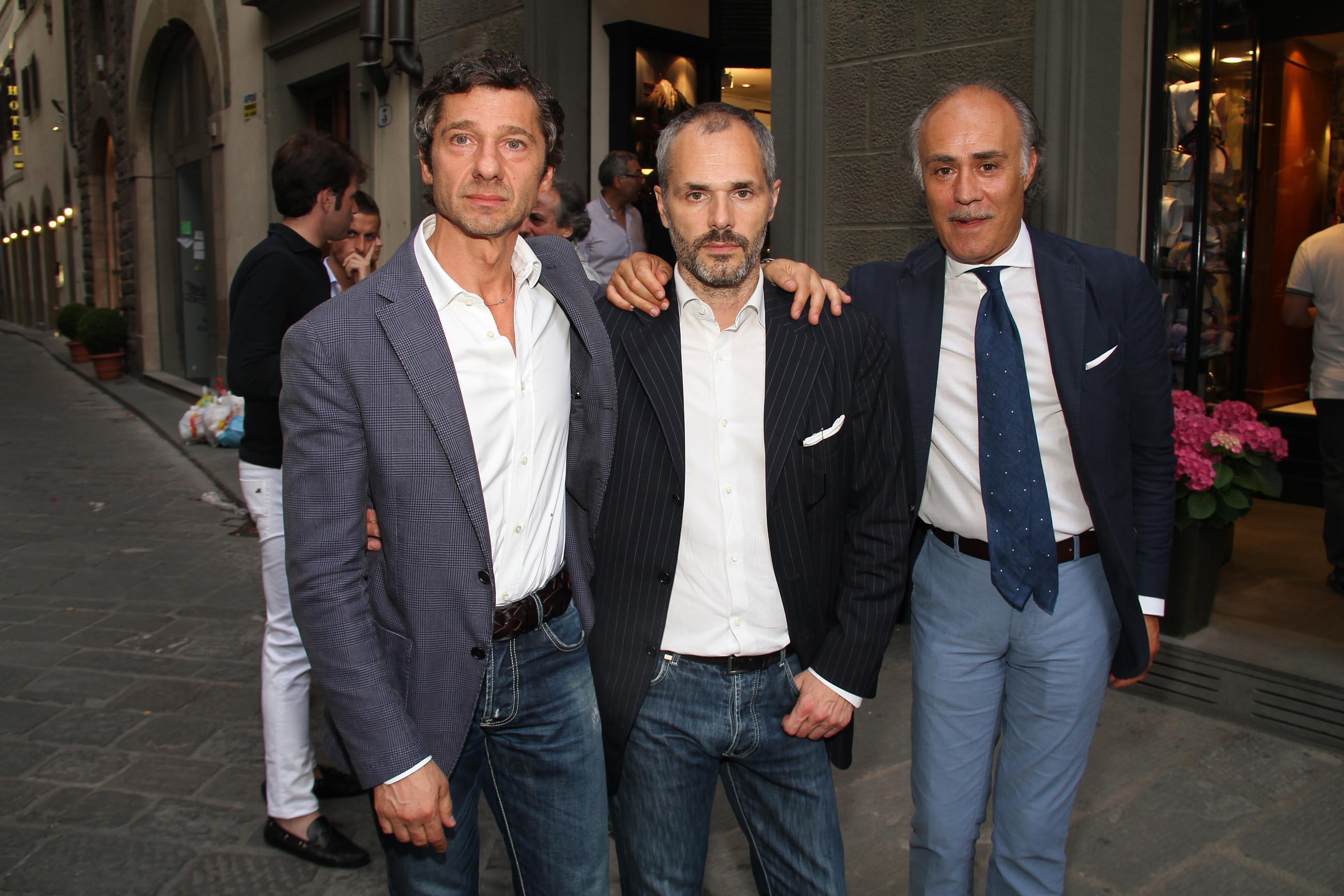 PRESSPHOTO Firenze, Evento Milord Aston Martin. Nella foto Saverio Latella, Christian Rossi, Lillo Frenda