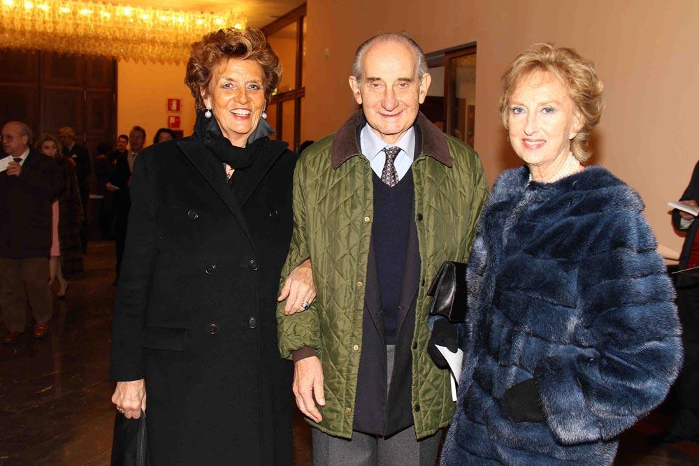 PRESSPHOTO  Firenze, MMF prima per Manon Lescaut diretta da Bruno Bartoletti. Nella foto Giovanna Folonari con i marchesi Frescobaldi