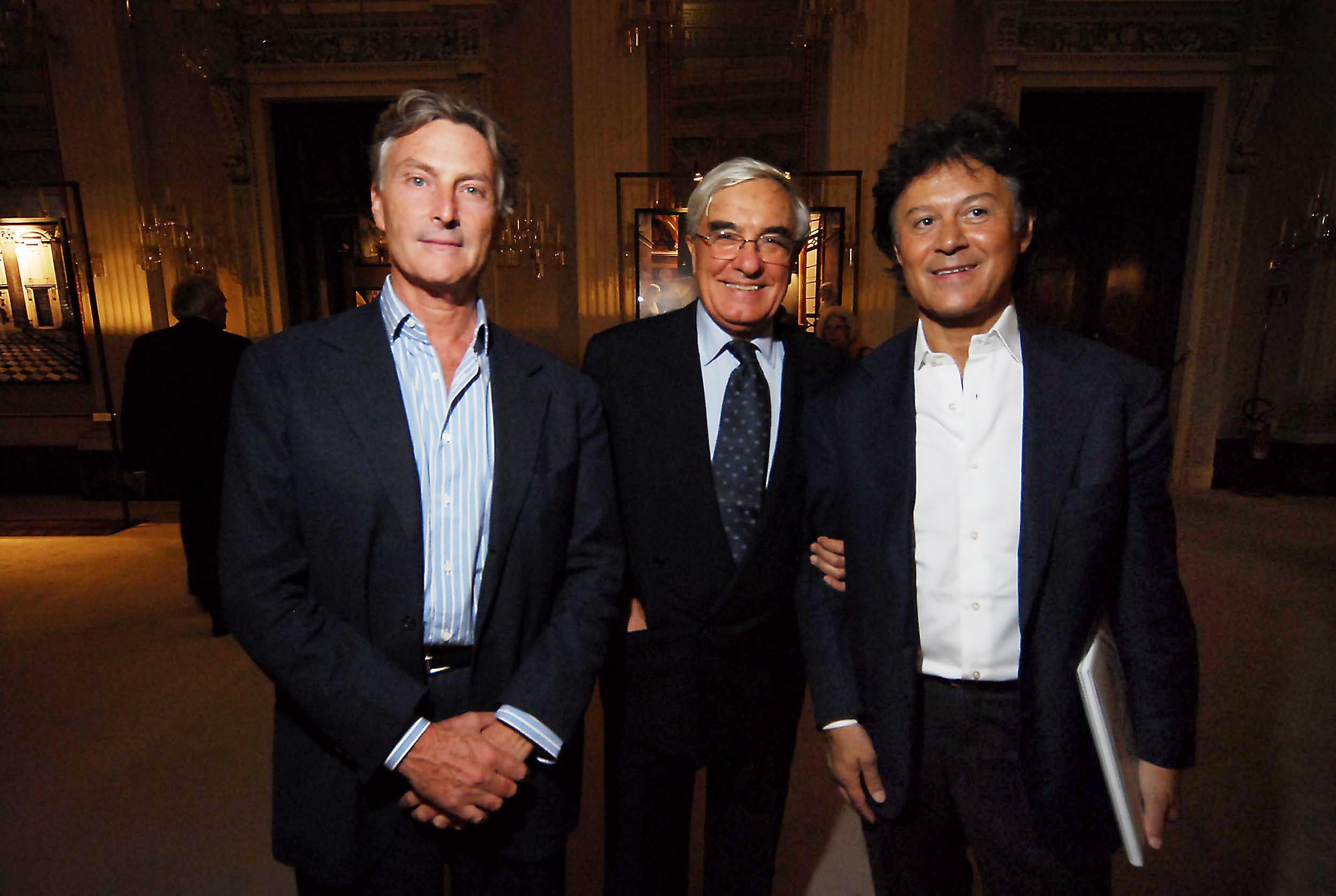 PRESSPHOTO  Firenze, Palazzo Pitti Galleria Palatina, mostra fotografica di Massimo Listri. Nella foto Umberto Allemandi, Peter Glidewell e Massimo Listri