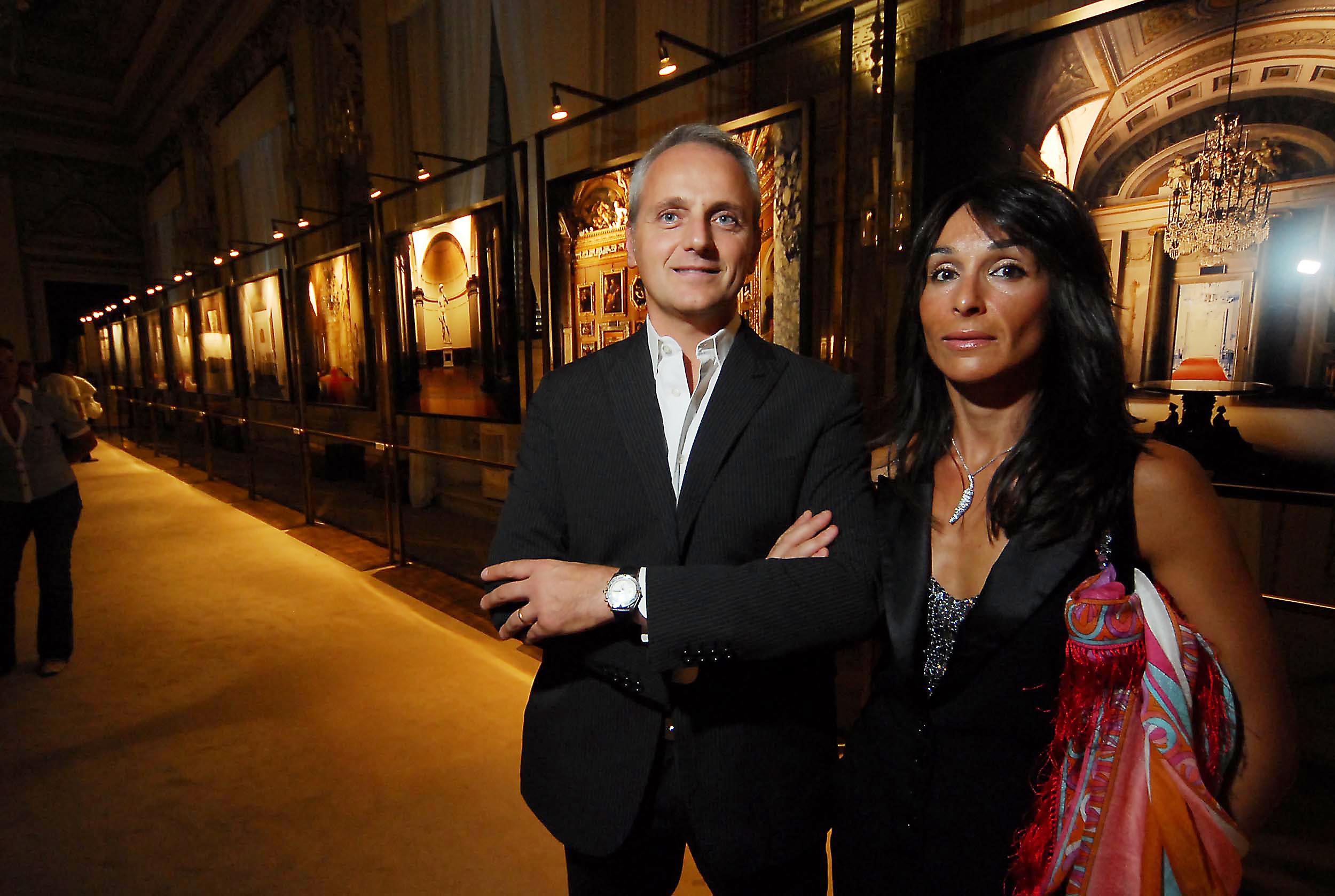PRESSPHOTO  Firenze, Palazzo Pitti Galleria Palatina, mostra fotografica di Massimo Listri. Nella foto Gianni e Francesca Overi
