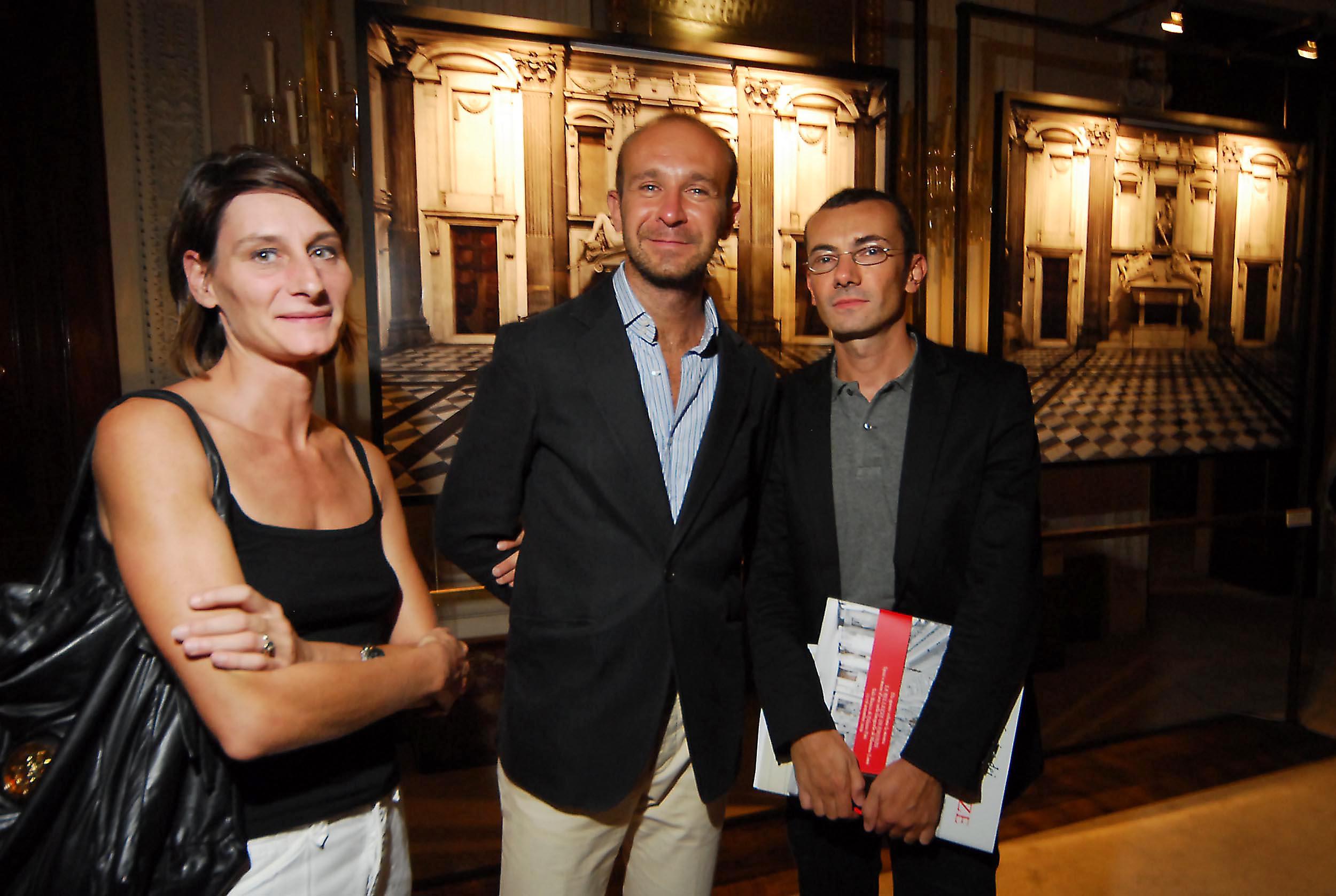 PRESSPHOTO  Firenze, Palazzo Pitti Galleria Palatina, mostra fotografica di Massimo Listri. Nella foto Cecile Bosc, Luca Selvi e Filippo Romeo