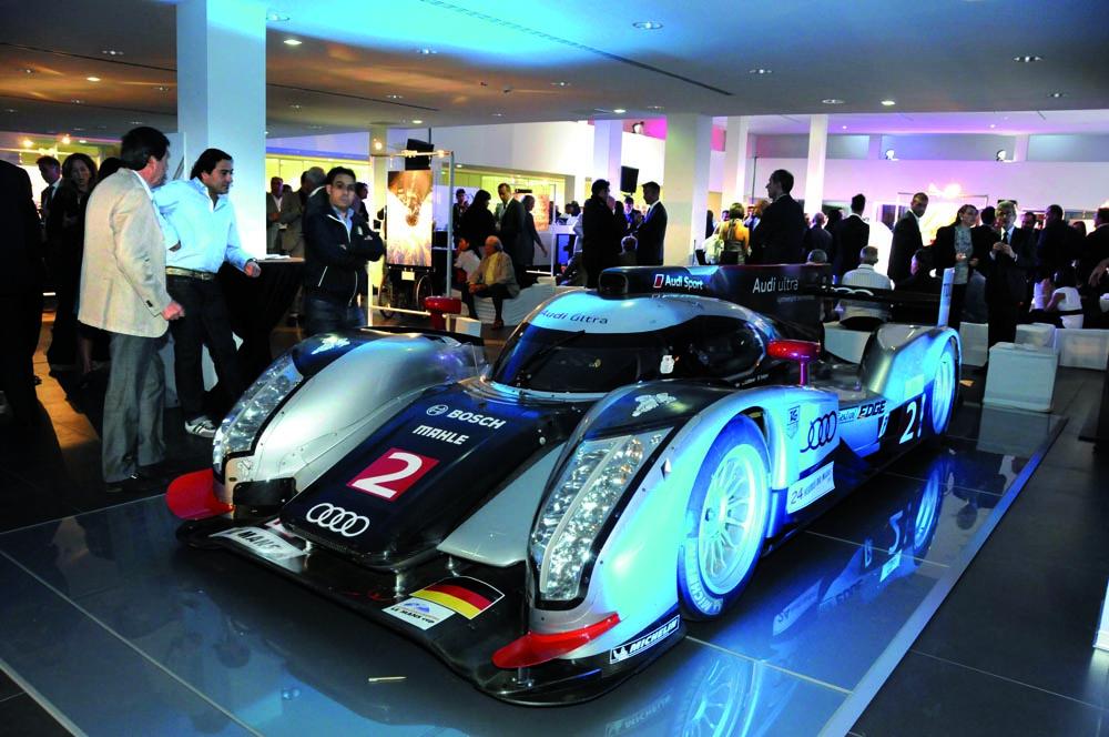 Pressphoto-Firenze Magazine Inaugurazione mostra fotografica di Massimo Sestini alla cocessionaria Audi :