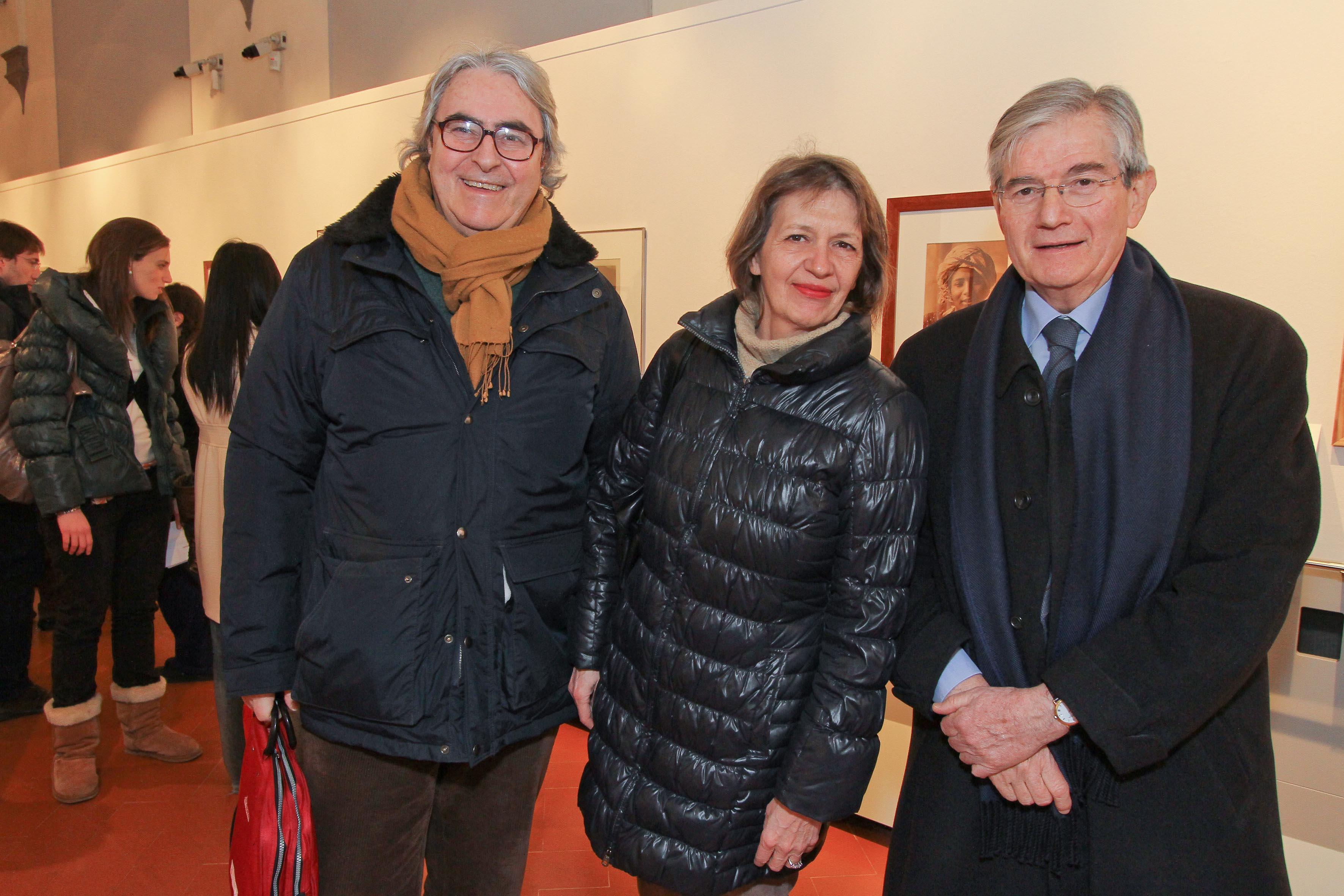 PRESSPHOTO Firenze, Museo Alinari, mostra fotografica Controverses. nella foto Riccardo Catola con la moglie Evelyn e Claudio De Polo