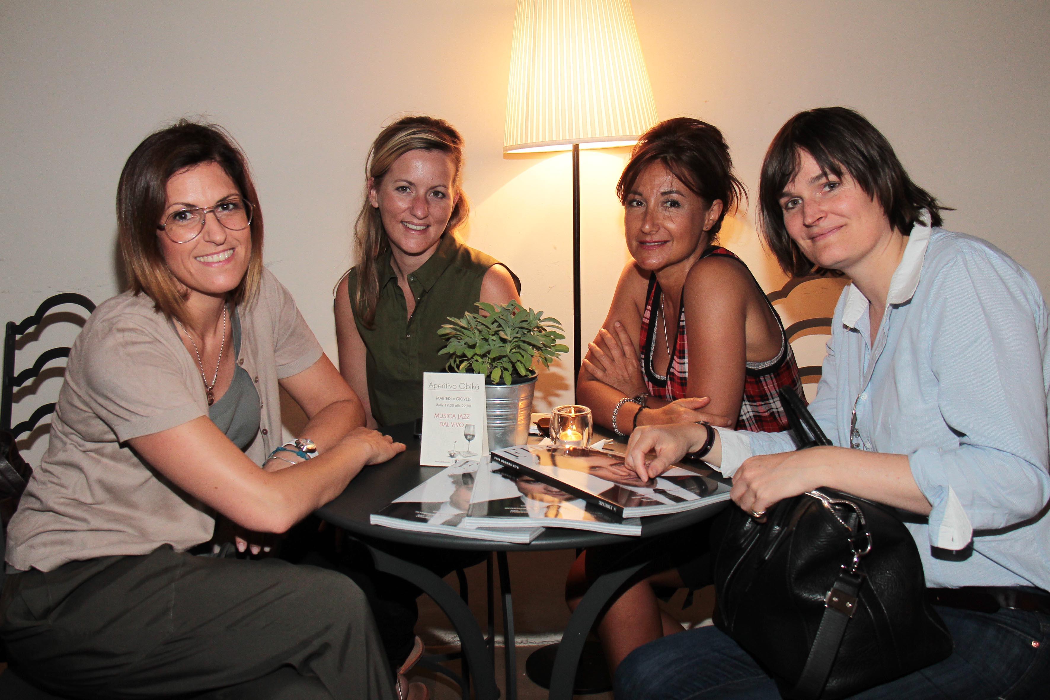 PRESSPHOTO Firenze, Obikà aperitivo. Nella foto Karine Di Placido, Aude Flohic, Laurence Valin e Elena Ghiselini  giuseppe cabras/new press photo