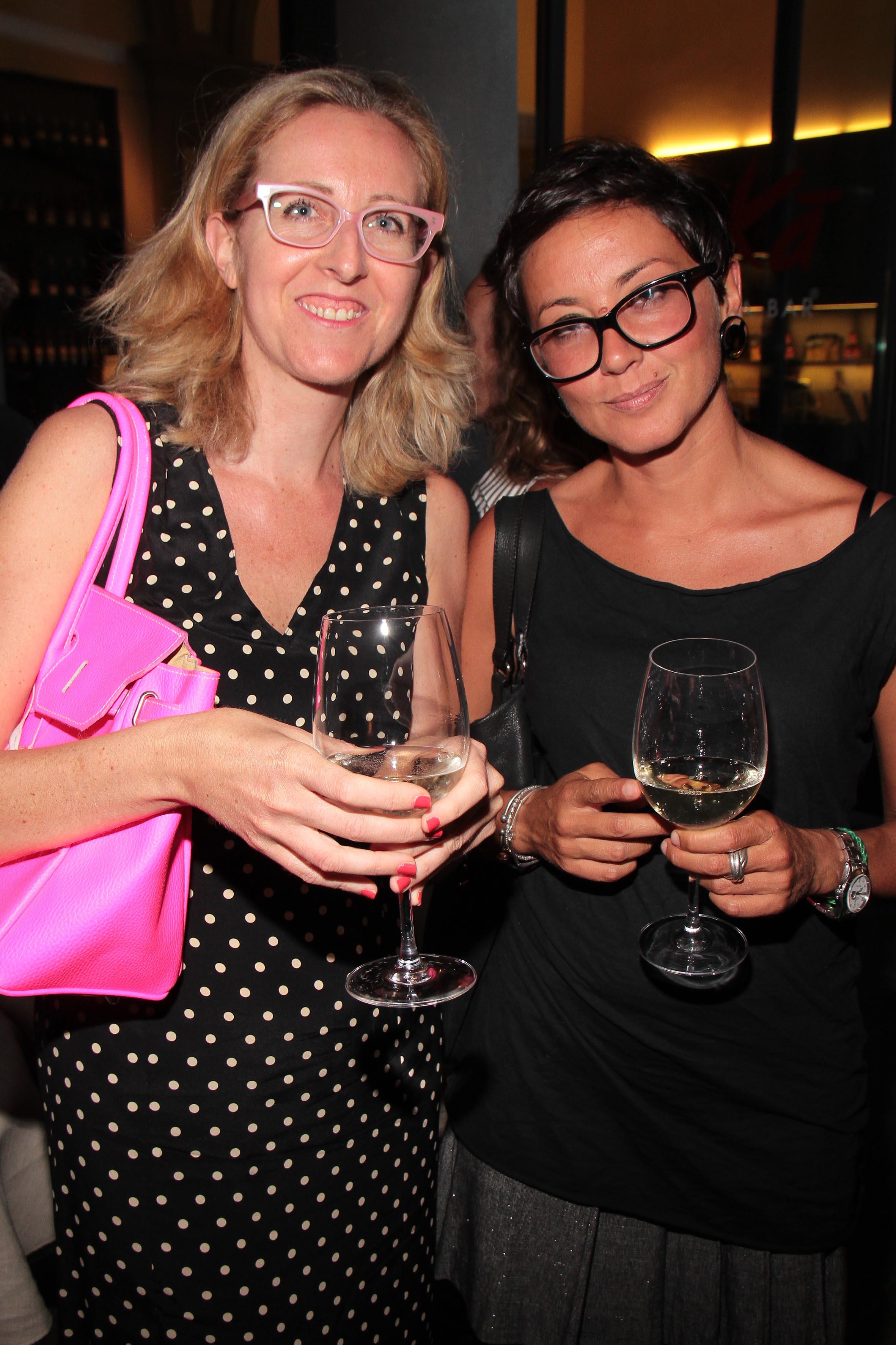 PRESSPHOTO Firenze, Obikà aperitivo. Nella foto Serena Masieri e Barbara Giomi  giuseppe cabras/new press photo