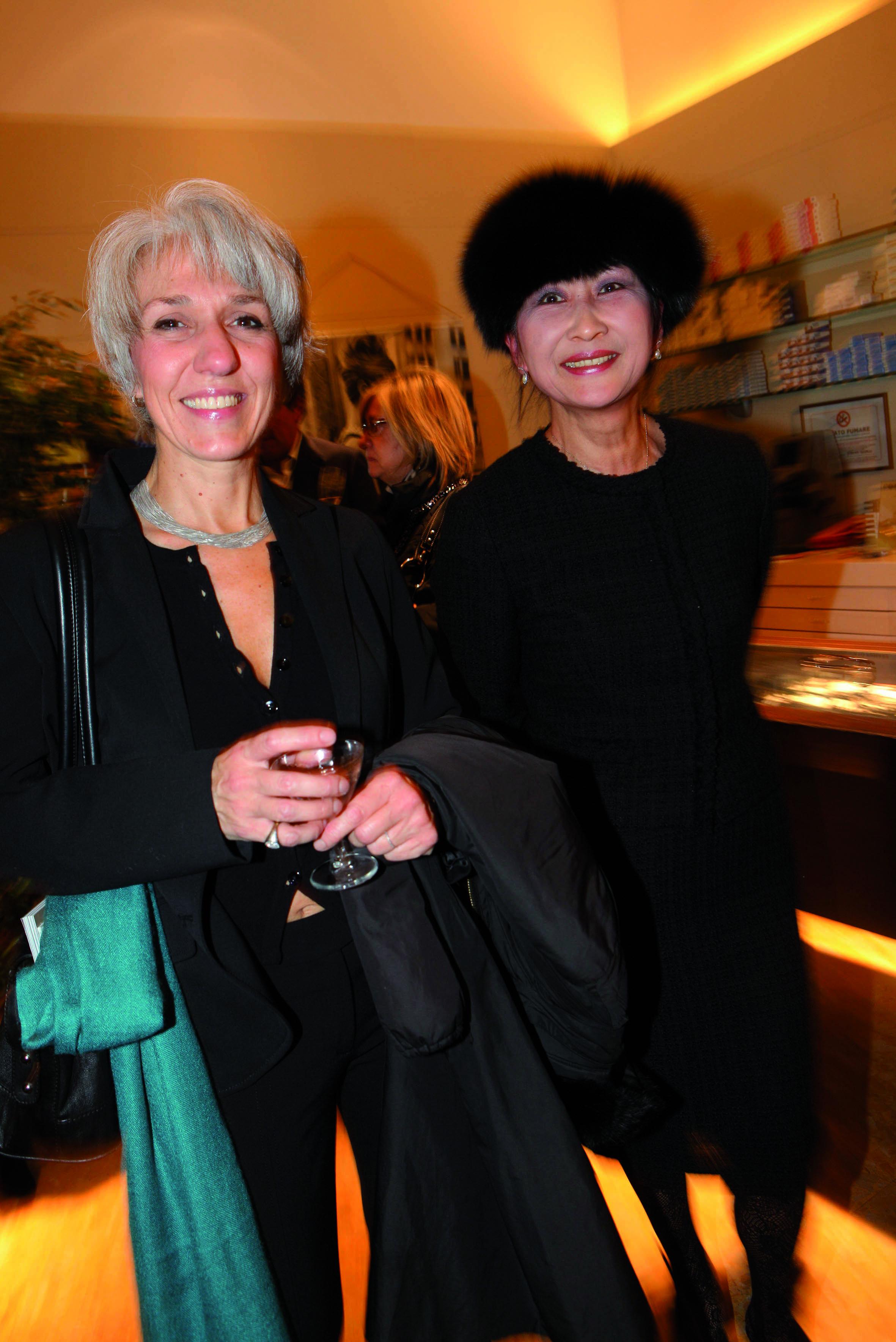 ilaria Marini Junko Fukui, stefania Fontani pressphoto-Firenze Magazine  presentazione collezzione occhiali Chanel all'ottica Fontani