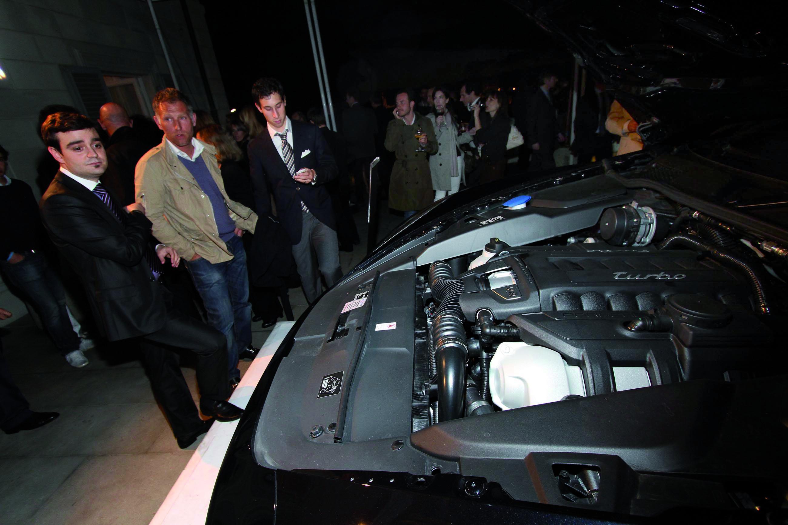 PRESSPHOTO  Firenze, Villa La Vedetta, serata di presentazione dele nuove Porsche Cayenne, e stand Pomellato. Nella foto