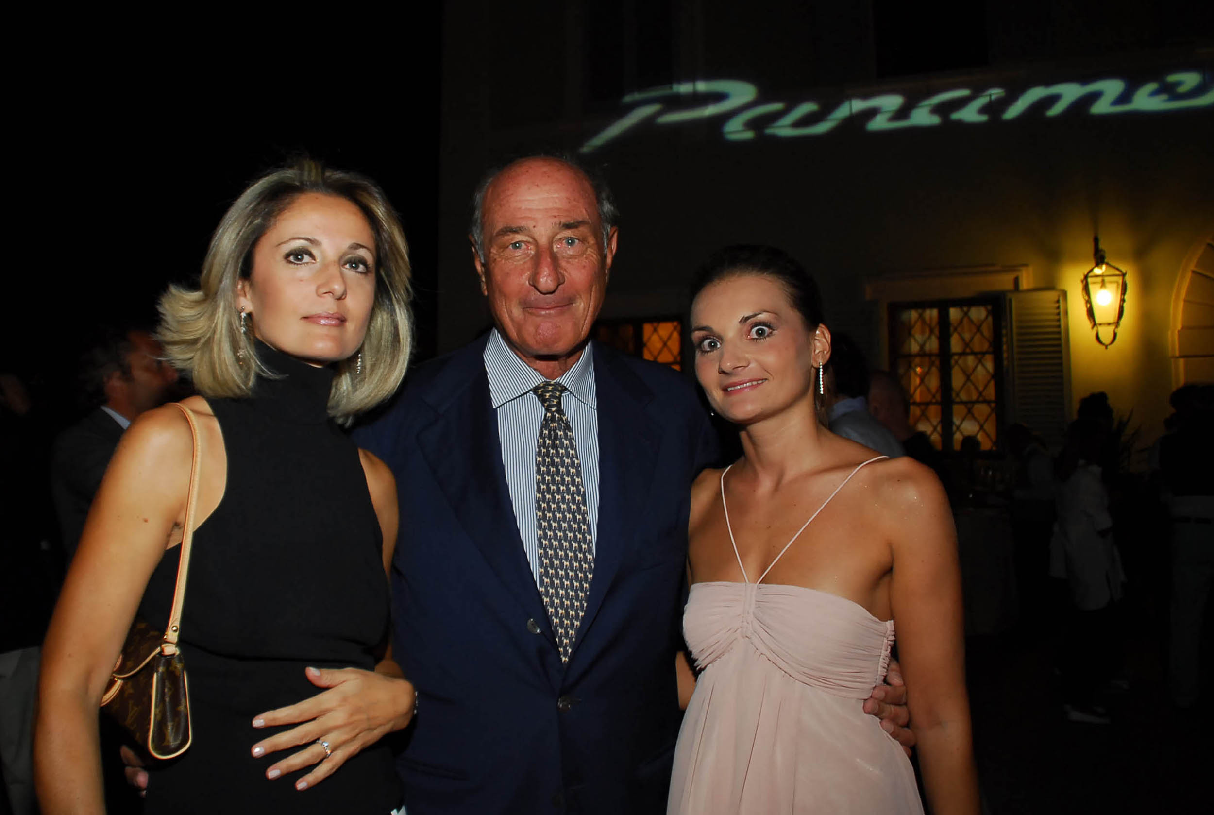 PRESSPHOTO  Firenze, Resort Villa Olmi, presentazione Porsche Panamera. Nella foto Francesca Morganti, Karin Matescher e Massimo Marchi