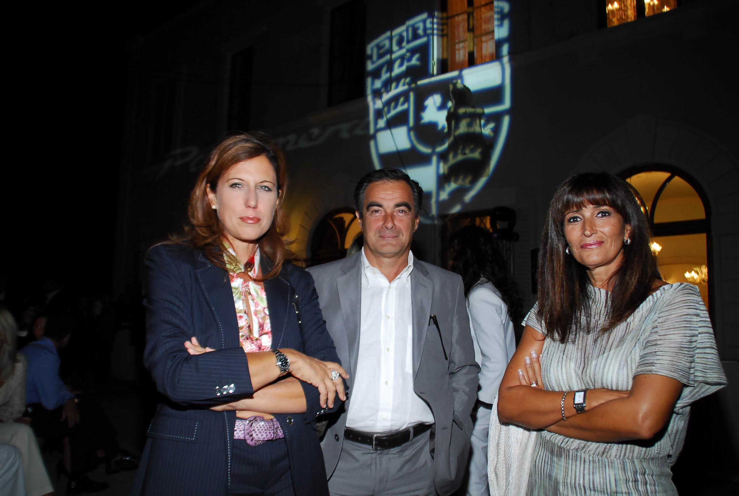 PRESSPHOTO  Firenze, Resort Villa Olmi, presentazione Porsche Panamera. Nella foto Isabella Terranova, Gagliardo e Silvia Gagliardi