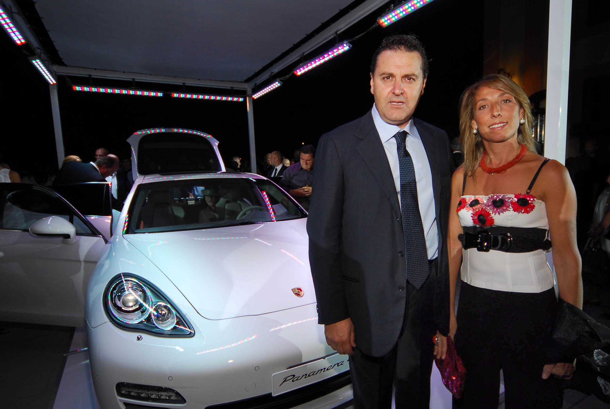 PRESSPHOTO  Firenze, Resort Villa Olmi, presentazione Porsche Panamera. Nella foto Gianni e Francesca Paglione