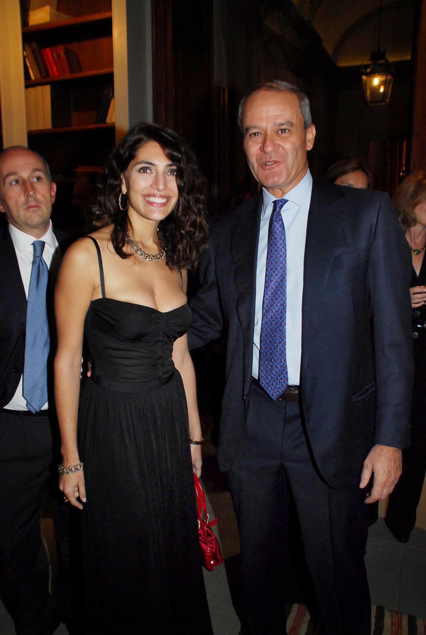 PRESSPHOTO Firenze, Cinema Odeon, Renzi assegna il Fiorino d'oro a Charles Aznavour, segue cena di gala a Palazzo Tornabuoni. In foto Caterina Murino con Jacopo Mazzei