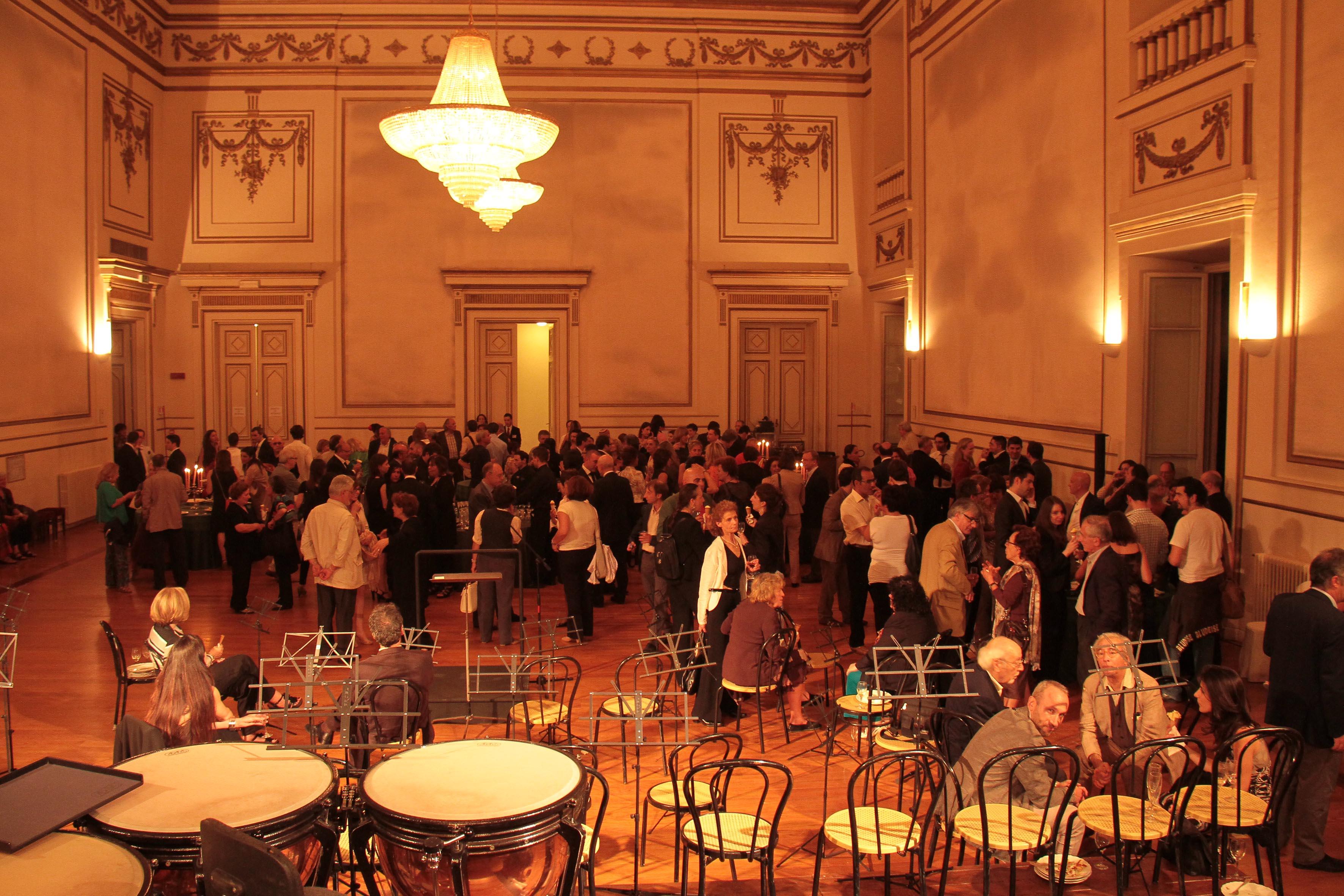 PRESSPHOTO Firenze, La Pergola, party dopo la prima di Viviani Varietà con Massimo Ranieri.  giuseppe cabras/new press photo