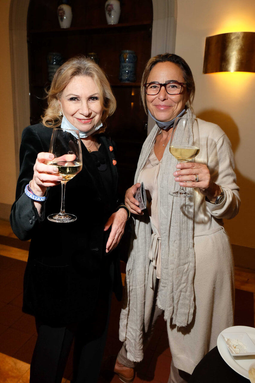Laura Lodigiani and Rossella Poggesi